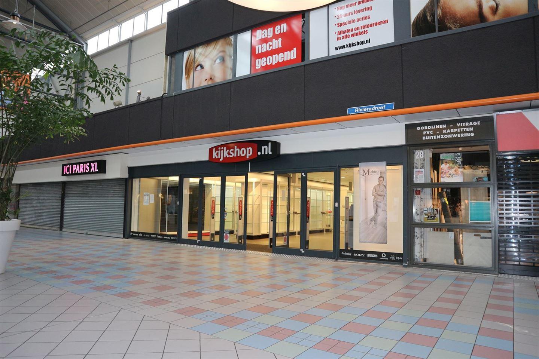 Winkel haarlem zoek winkels te huur rivi radreef 30 for Funda haarlem centrum