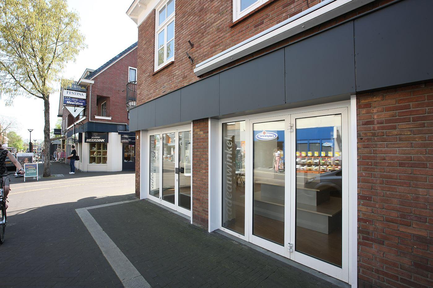 Bekijk foto 1 van Bredevoortsestraatweg 4