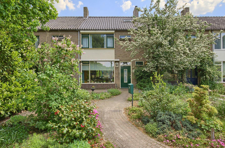 Huis te koop de ruyterstraat 54 6712 dt ede funda for Funda landgoed