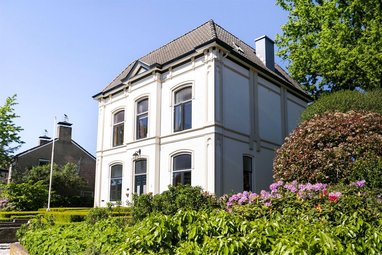 Bekijk foto 2 van Bredevoortsestraatweg 51