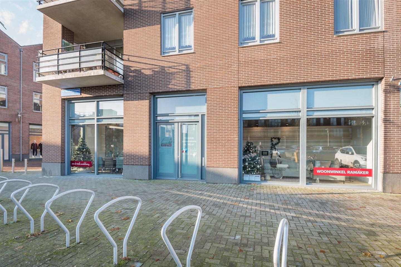 Bekijk foto 2 van Van Wevelinckhovenplein 2