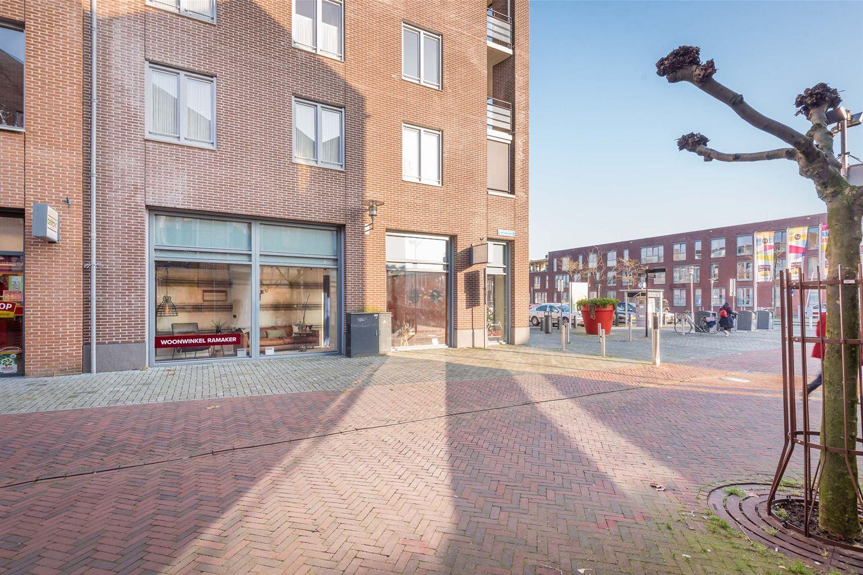 Bekijk foto 3 van Van Wevelinckhovenplein 2