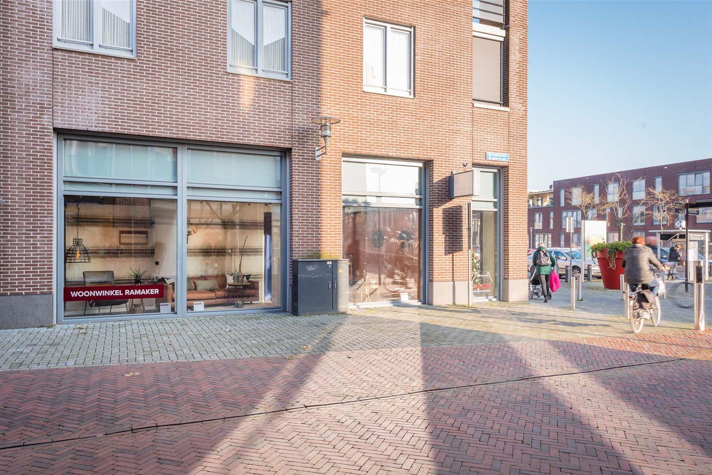 Bekijk foto 4 van Van Wevelinckhovenplein 2