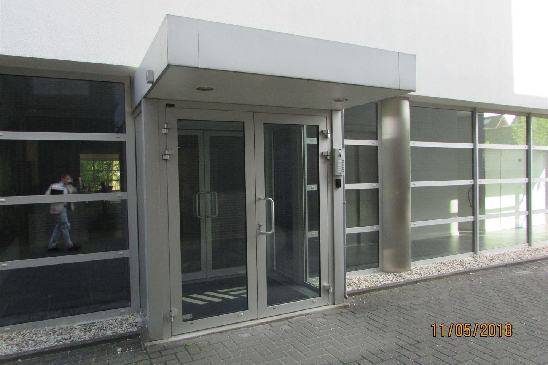 View photo 2 of Boschdijk 766