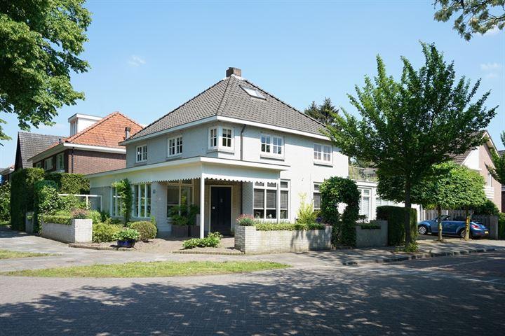 Burg. van Beckhovenstraat 37
