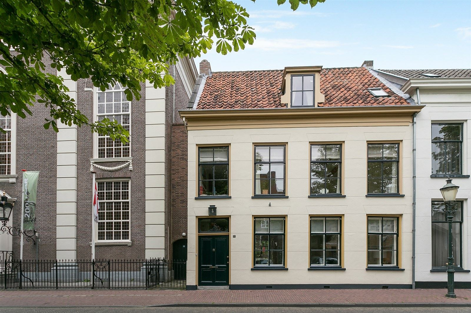 House for sale: \'t Zand 27 3811 GB Amersfoort [funda]