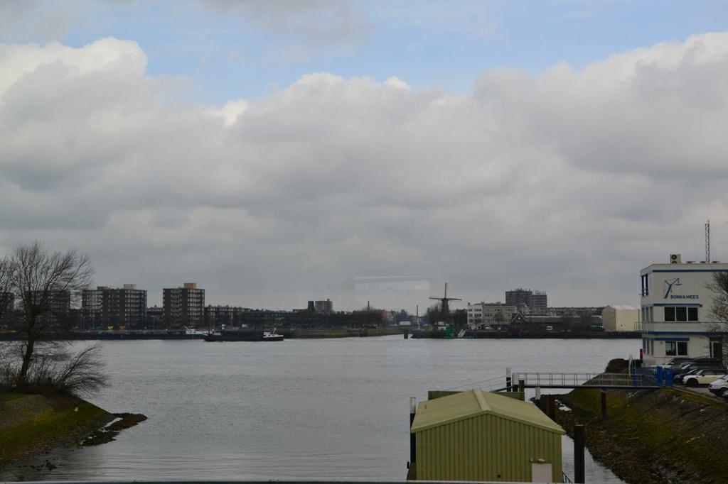 Bekijk foto 2 van Sluisjesdijk 138