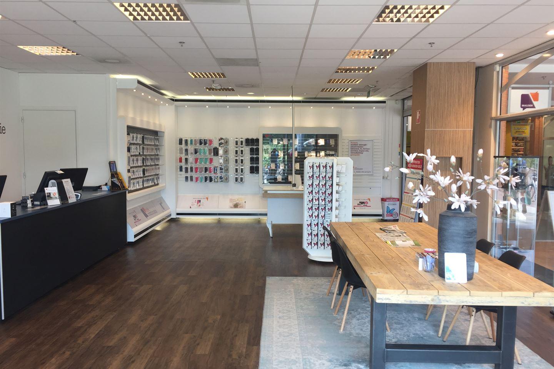 Bekijk foto 2 van Winkelcentrum 17 C