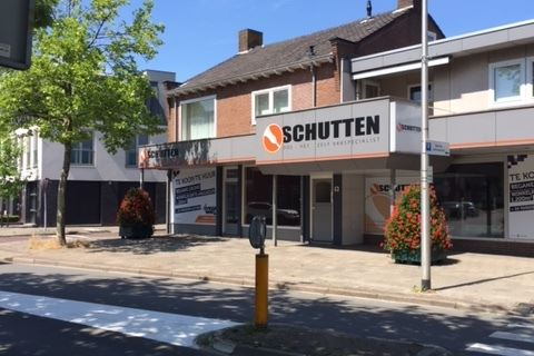 View photo 3 of Blankenburgerstraat 43