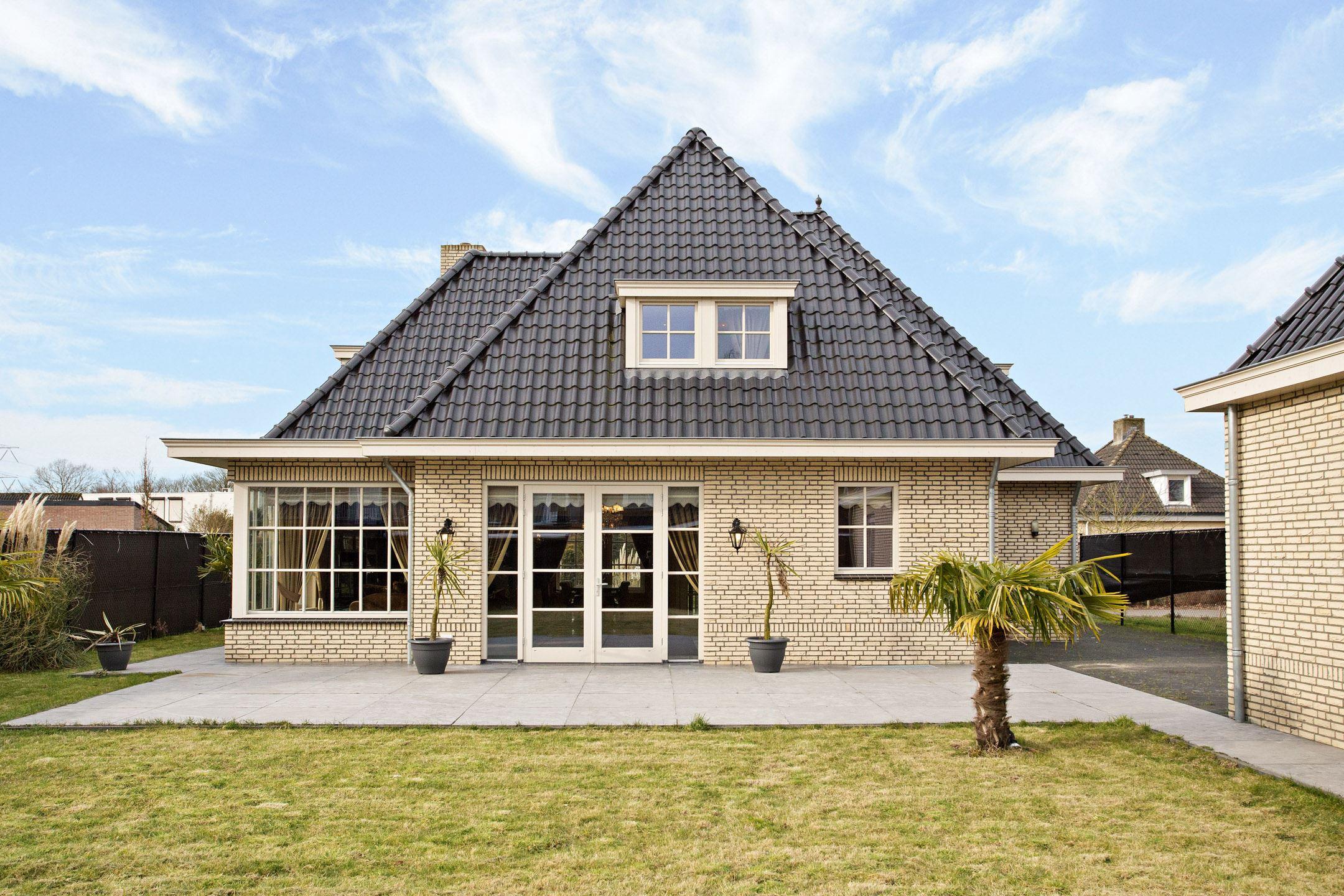 Huis te koop de spijkert 21 5674 vz nuenen funda for Huis en tuin nuenen
