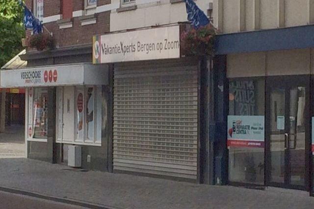 Bekijk foto 2 van Van der Rijtstraat 3