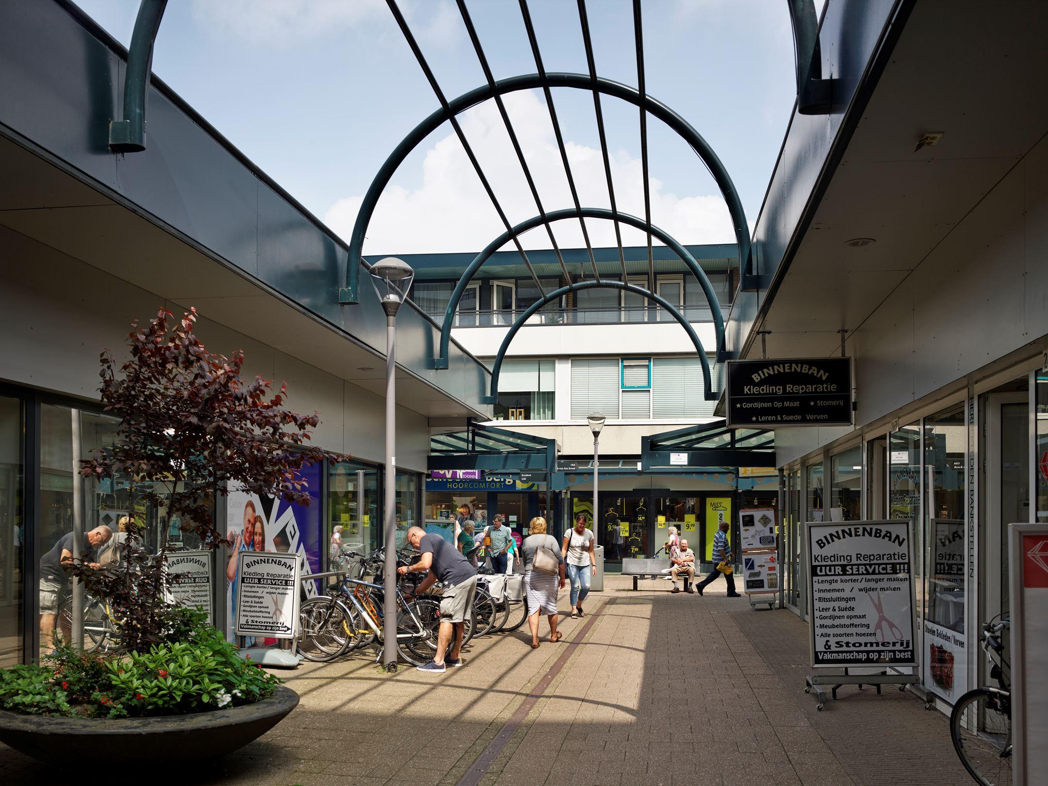 Winkel Hoogvliet Rotterdam | Zoek winkels te huur: Binnenban 6-271 ...