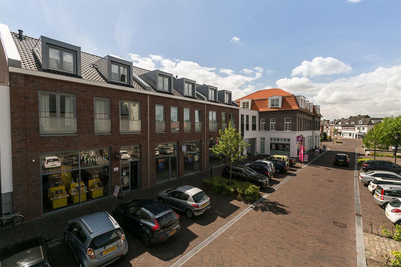 Bekijk foto 2 van Winkelcentrum Voerendaal