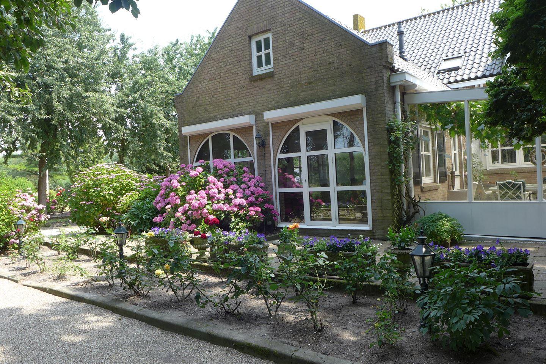 View photo 2 of Zuidbuurt 44