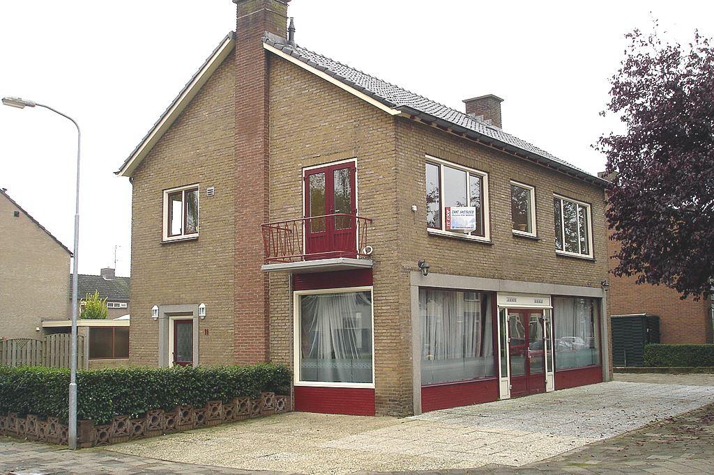 Bekijk foto 1 van Rijnstraat 11