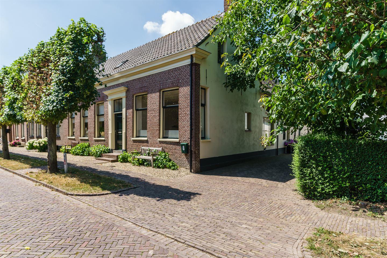 Bekijk foto 1 van Voorstraat 6 8
