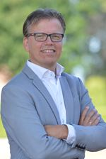 Alexander van Garderen (Office manager)