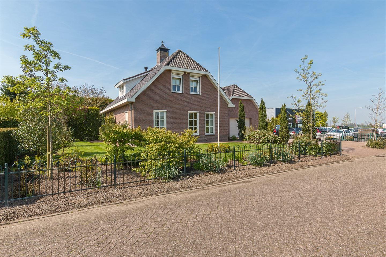 Bekijk foto 2 van C.Branderhorststraat 17