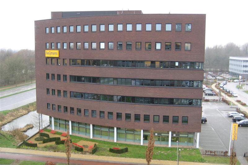 Bekijk foto 1 van Mr B.M. Teldersstraat 3