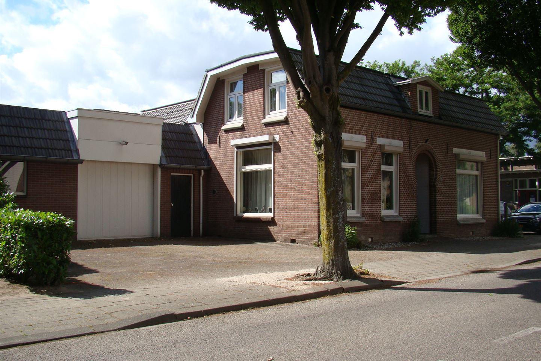 Bekijk foto 1 van Hoofdstraat 109