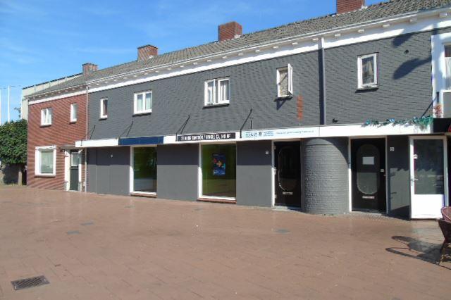 Bekijk foto 2 van Raadhuisplein 7-9