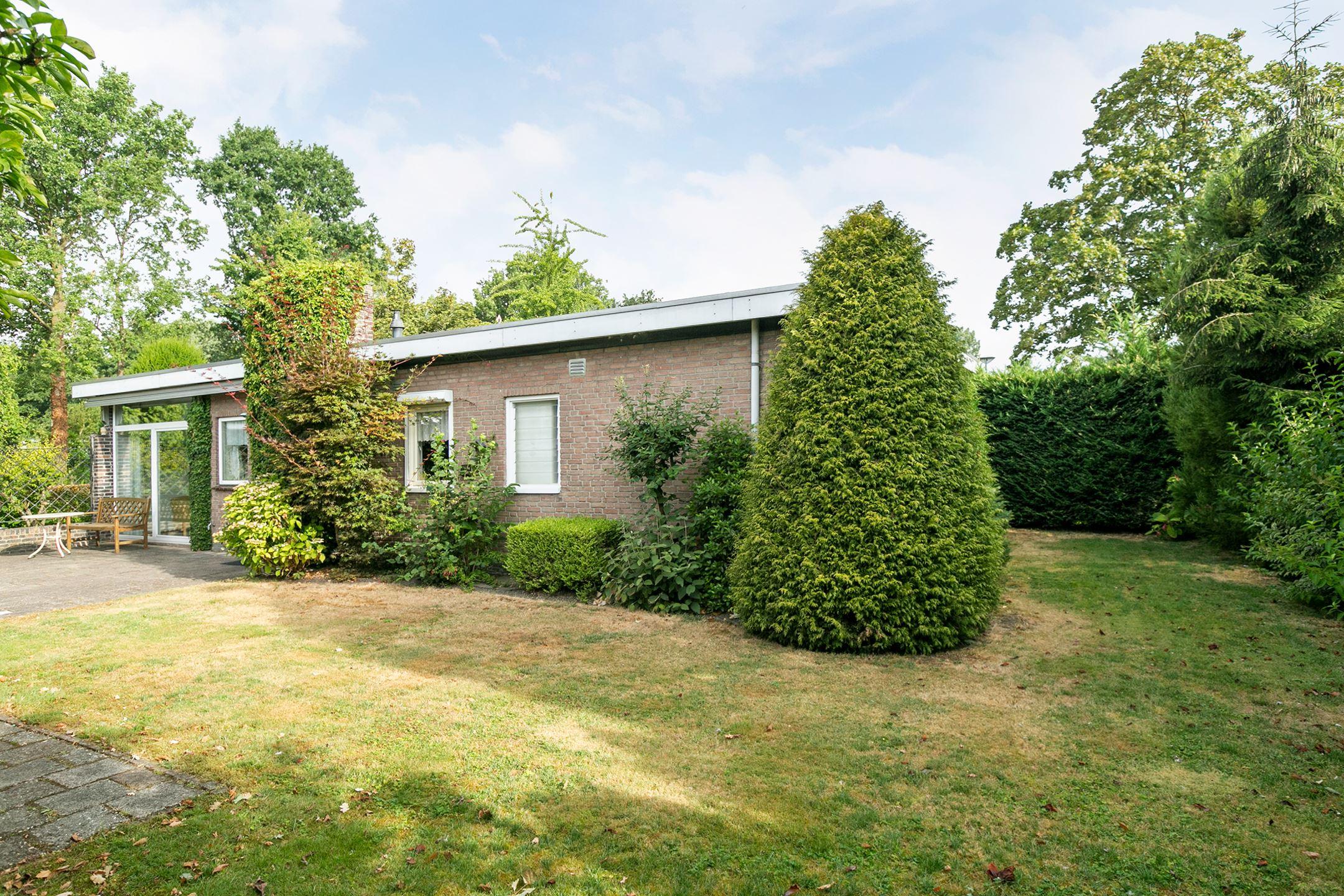Huis te koop larikslaan 3 5671 bn nuenen funda for Huis en tuin nuenen