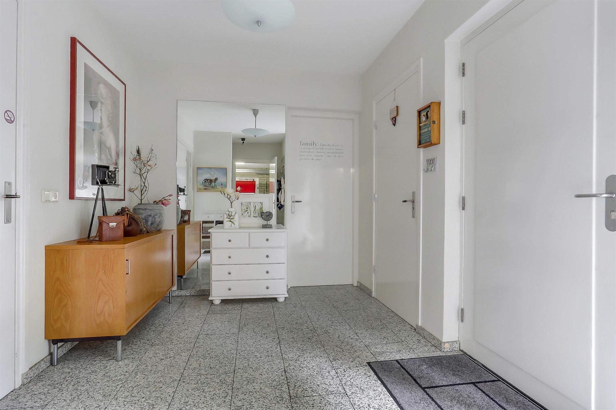 Zonwering Slaapkamer 53 : Huis te koop court pendustraat jp bunde funda