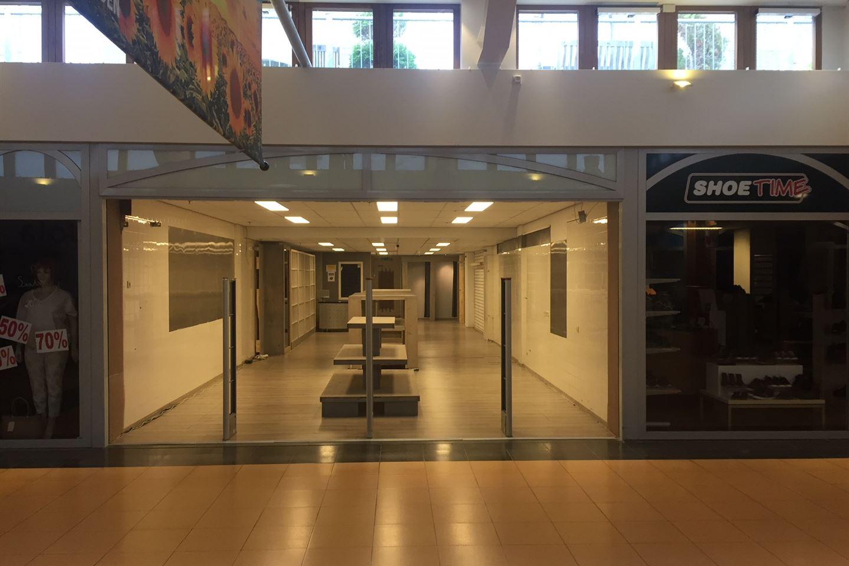 Bekijk foto 1 van Winkelcentrum 40