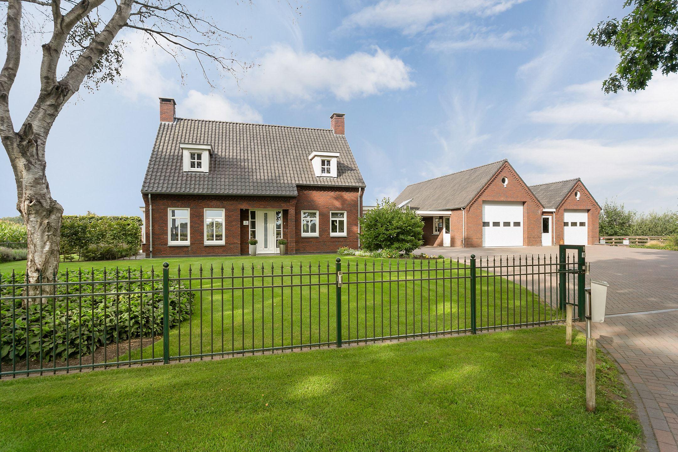 Huis te koop: padbrugseweg 3 5752 rm deurne [funda]