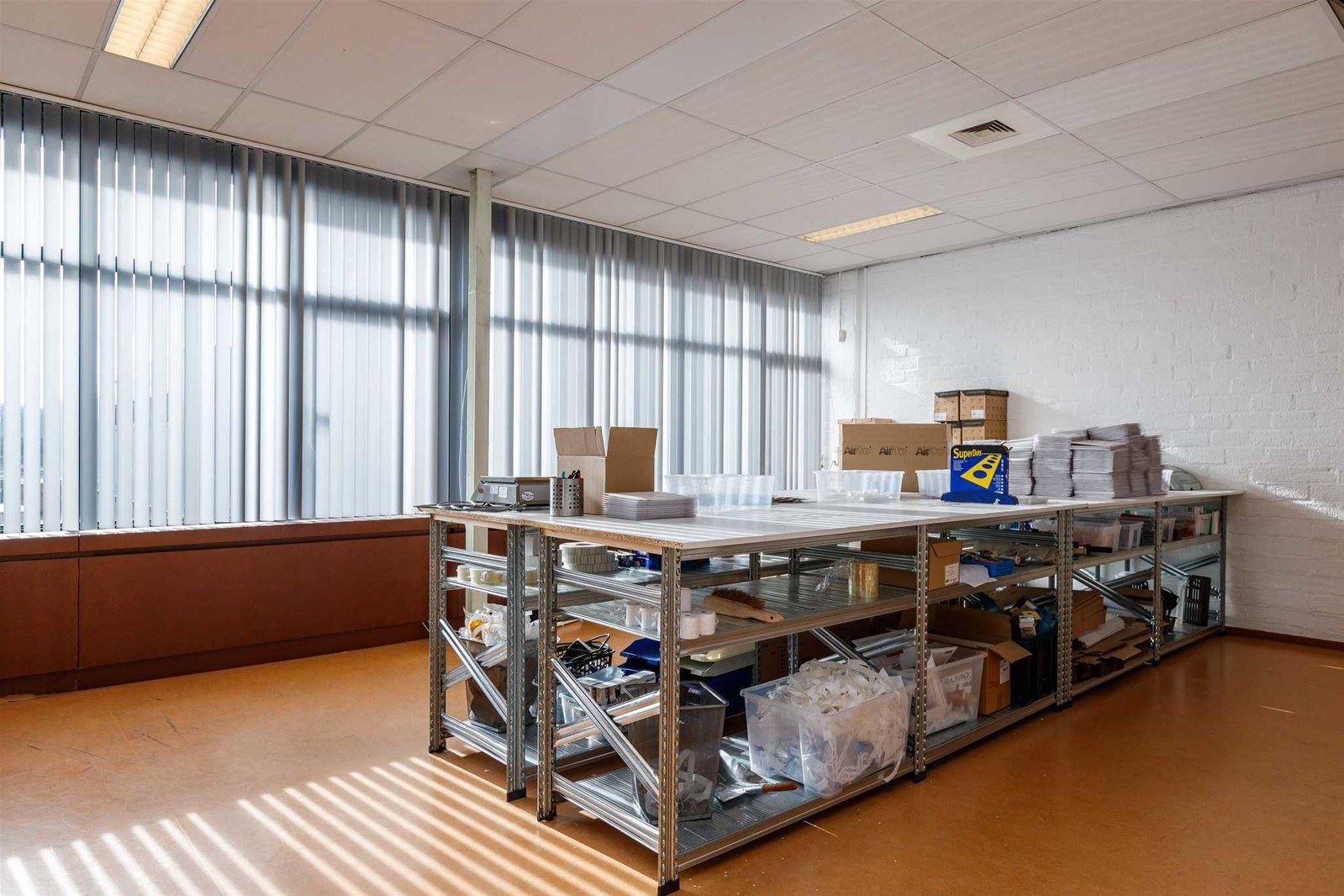 Spiegel Zonwering Utrecht : Bedrijfshal utrecht zoek bedrijfshallen te koop savannahweg
