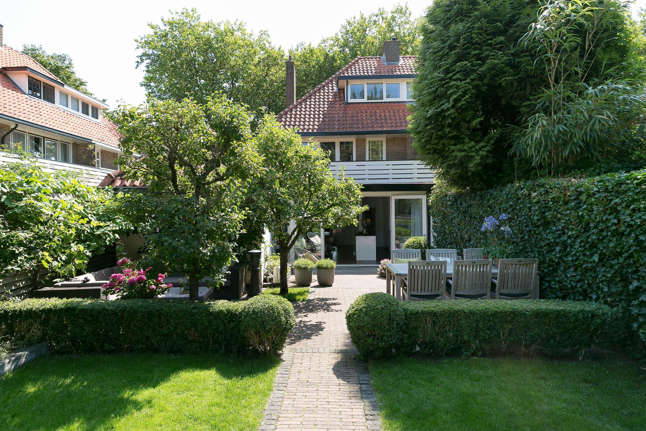 Huis te koop eikbosserweg 220 1213 sc hilversum funda for Huis hilversum