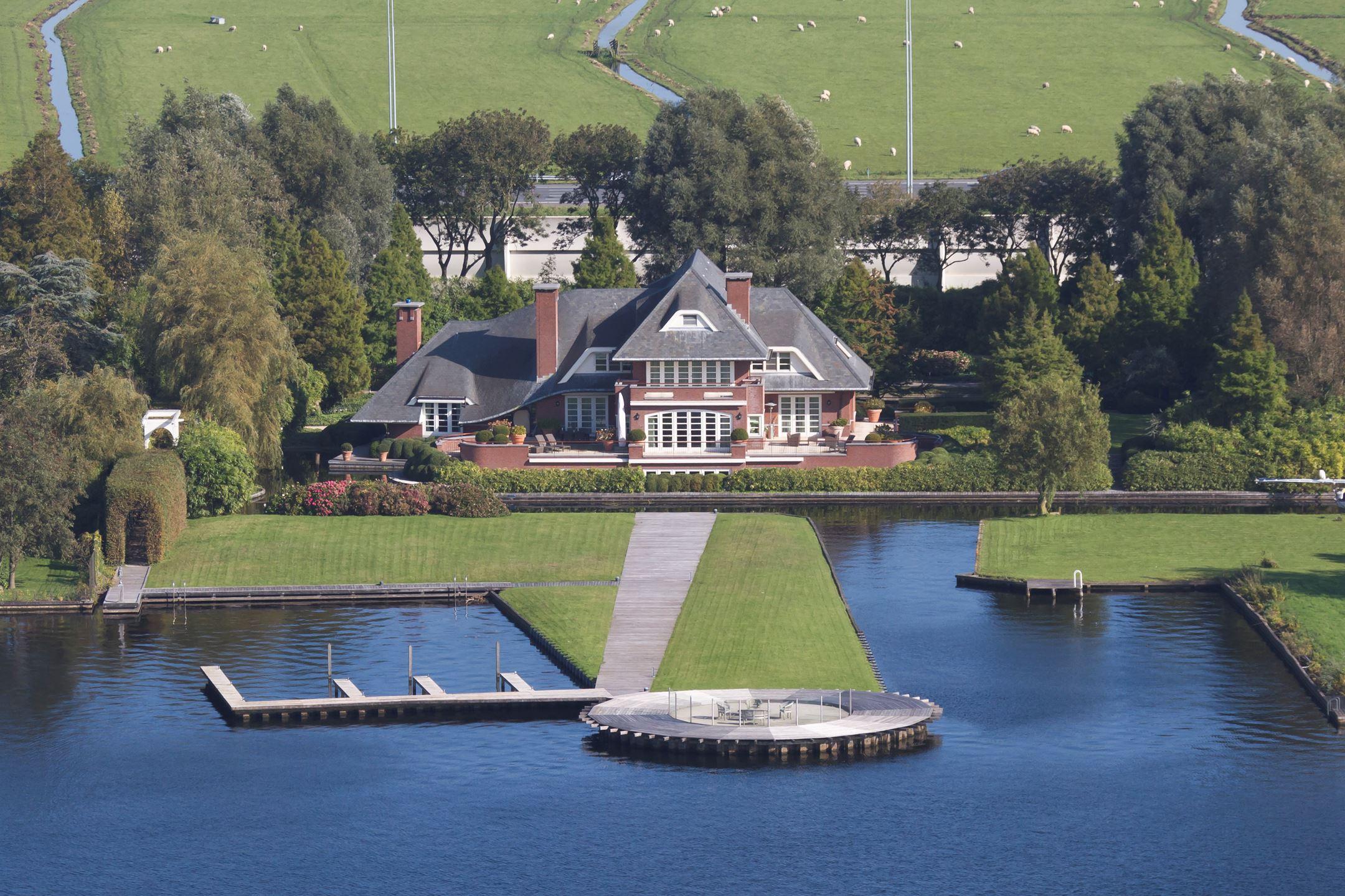 villa in Vinkeveen