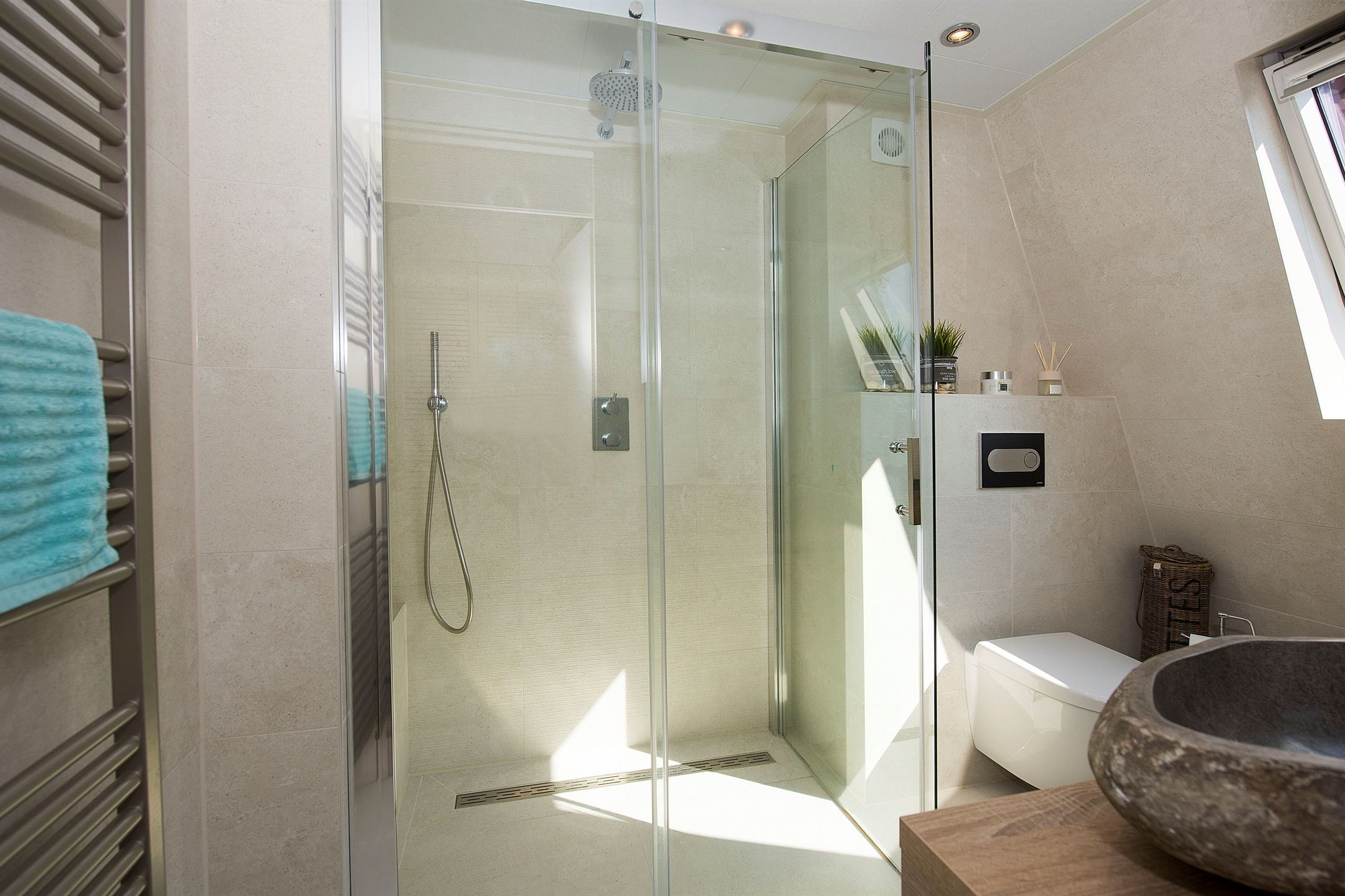 Nieuwe Badkamer Enschede : Bubbels en jets badkamers enschede