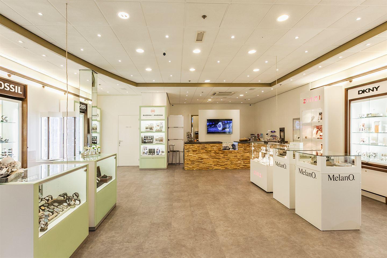 Bekijk foto 4 van Winkelcentrum Corio Center