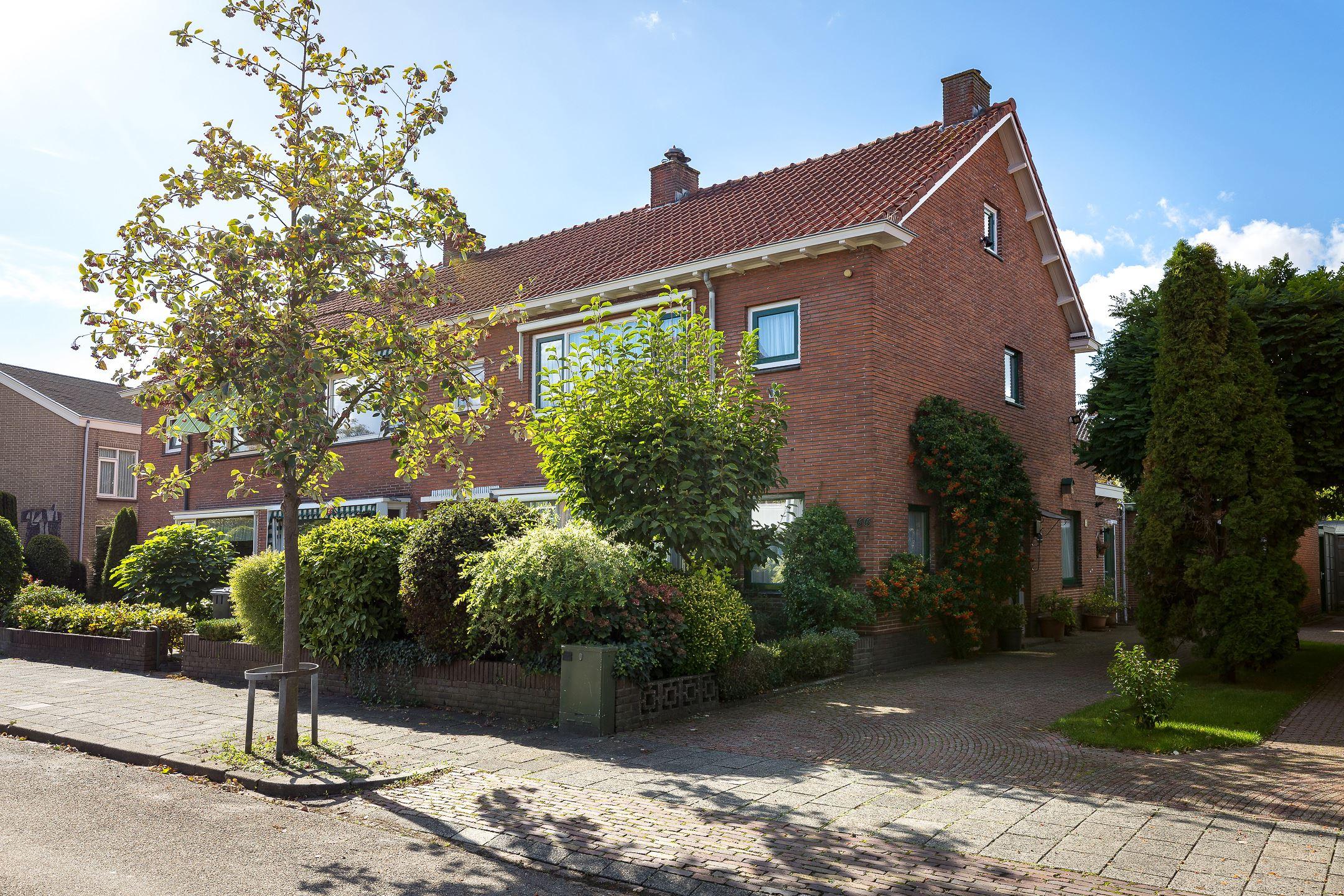 Huis te koop birkenheuvelweg 66 1215 ev hilversum funda for Huis hilversum