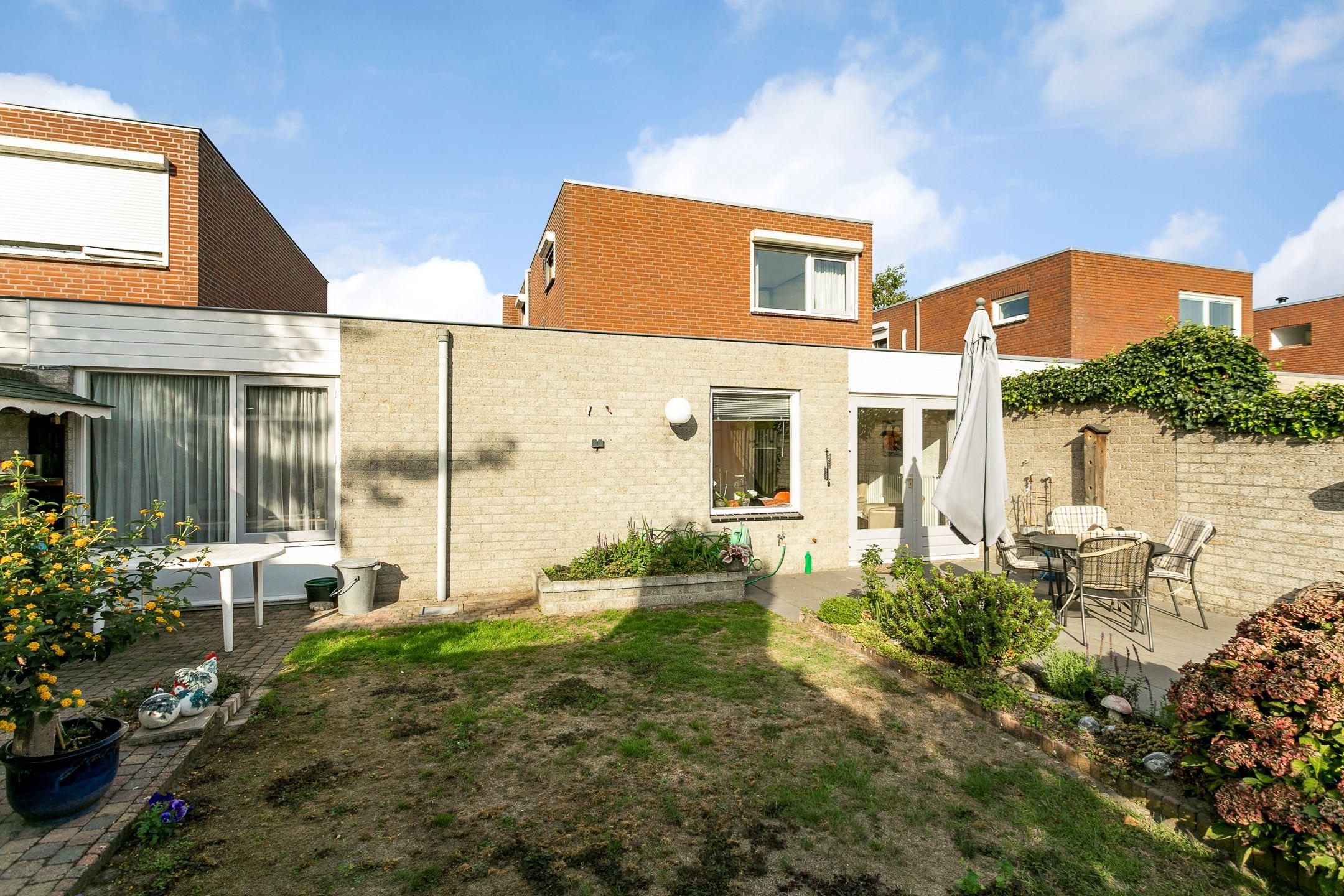 Verkocht het puyven 129 5672 rc nuenen funda for Huis en tuin nuenen
