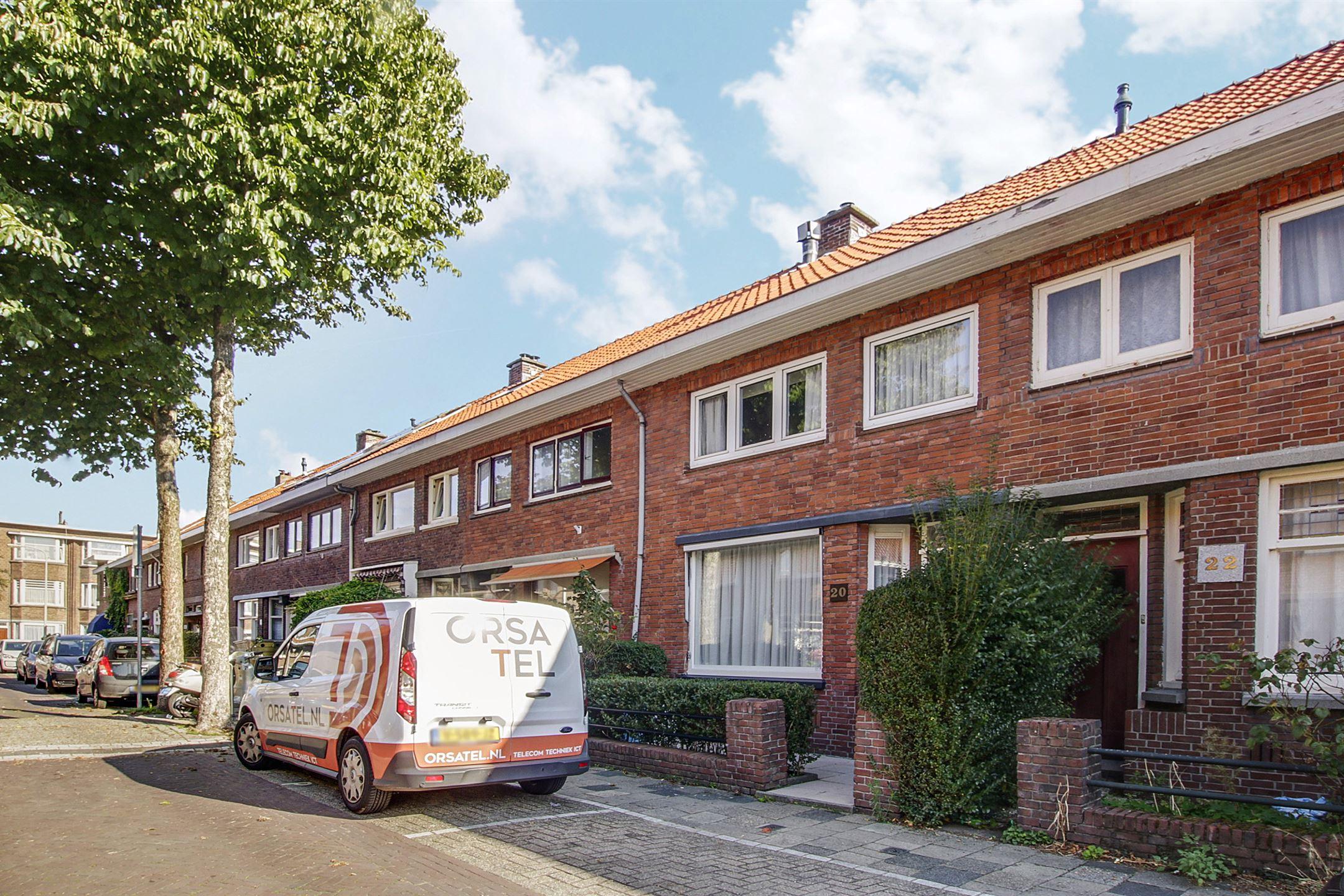 Huis te koop van vlotenstraat 20 2523 jc den haag funda for Eengezinswoning den haag te koop