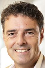 L.M.E. van Oosterhout (NVM real estate agent)