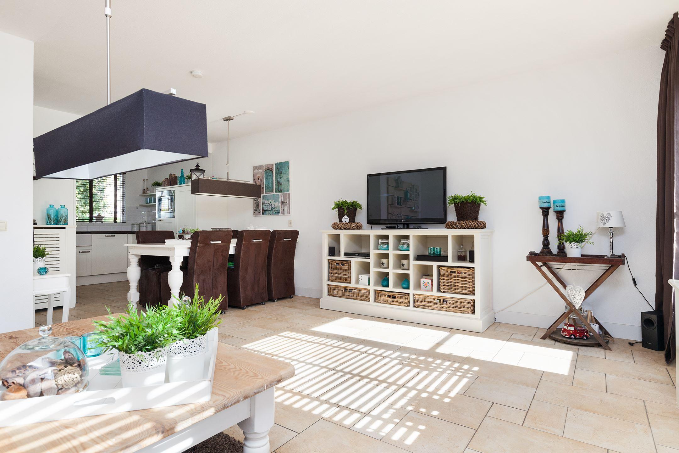 Huis te koop middenbaan zuid 570 3191 ah hoogvliet for Woning te huur rotterdam zuid