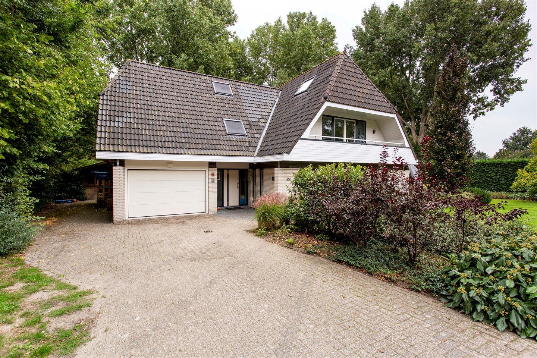View photo 3 of Koninginnelaan 28