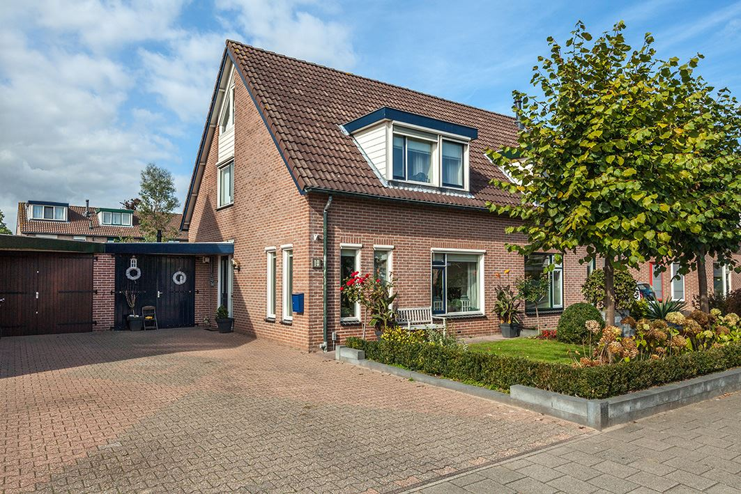 Huis Te Koop Bernadottestraat 18 6671 Bm Zetten Funda