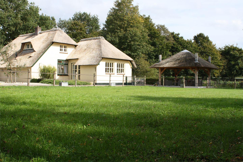 Huis te koop heetkamperweg 35 3776 lw stroe funda for Woonboerderij te koop veluwe