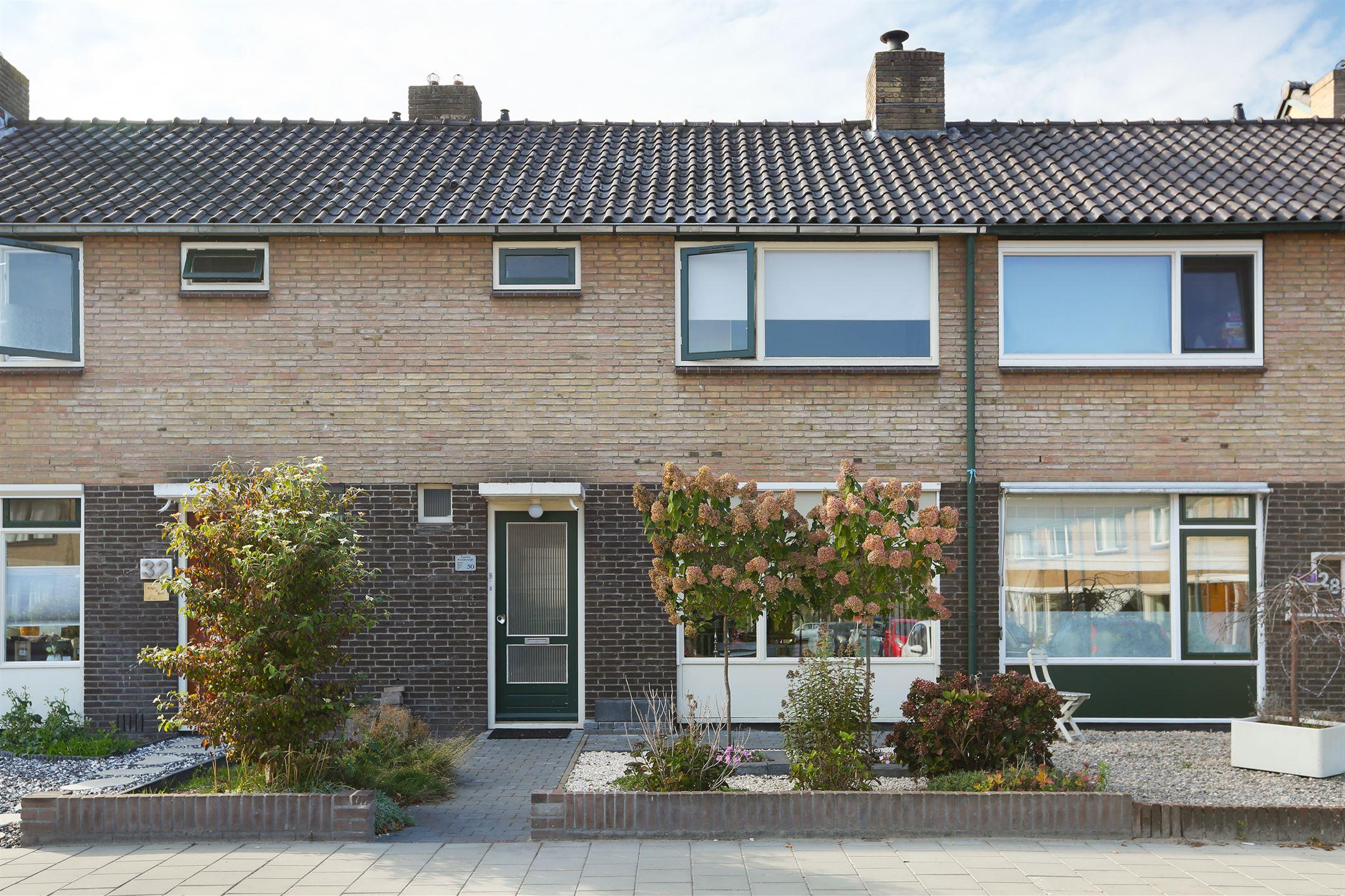 Keuken Badkamer Apeldoorn : Huis te koop: dintel 30 7333 mc apeldoorn [funda]