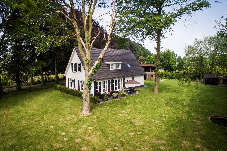 Bekijk foto 1 van Bredaseweg 529