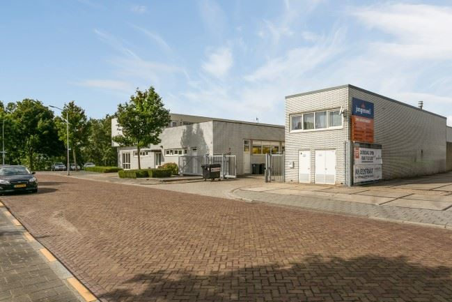 Bekijk foto 2 van Koenendelseweg 13-17