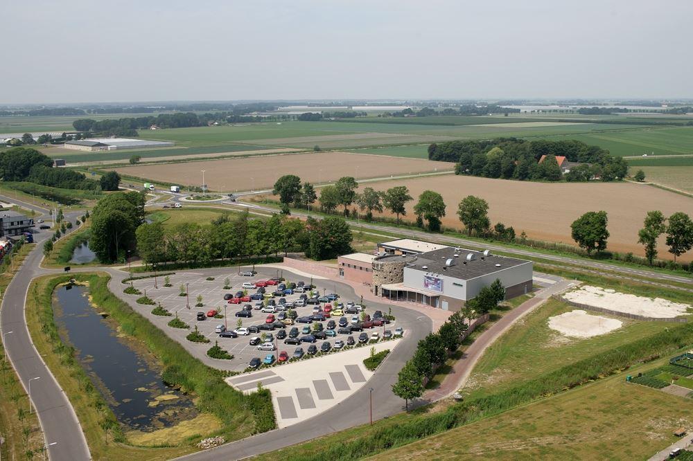 Bekijk foto 1 van D.P.A. Weeversstraat 5 7.