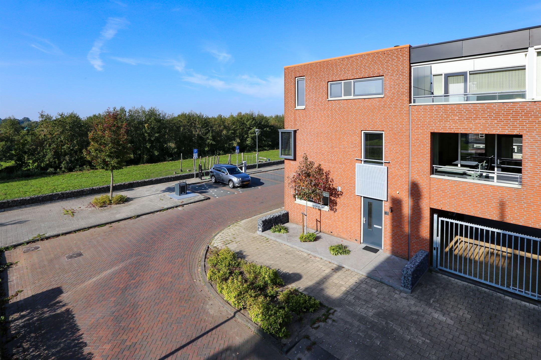 Huis te koop villa fonteinkruid ae waalwijk funda
