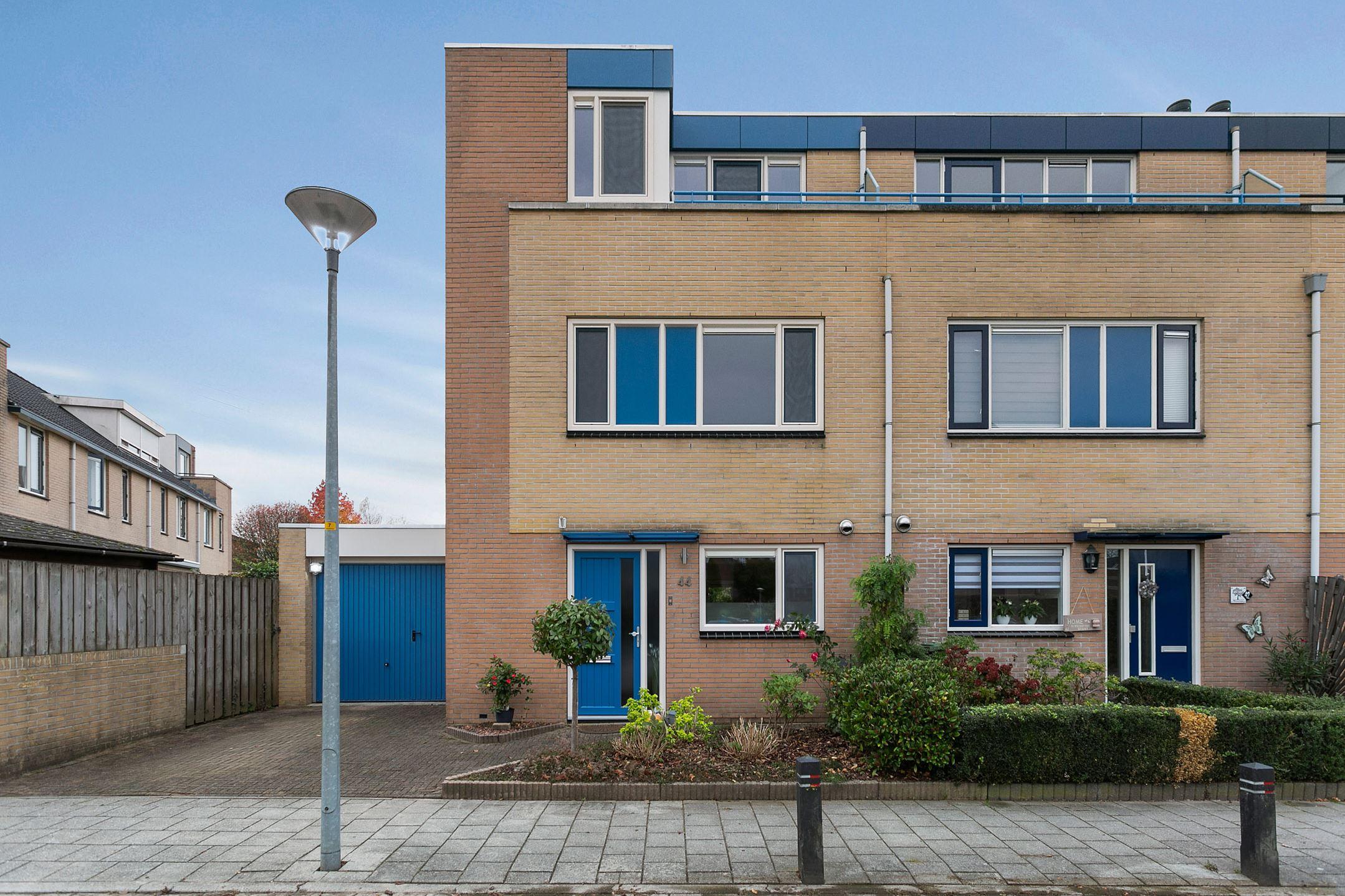 Keuken Badkamer Zutphen : Verkocht: marga klompélaan 44 7207 ka zutphen [funda]
