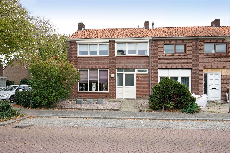 Garage Van Vlijmen : Huis te koop irenelaan jr vlijmen funda