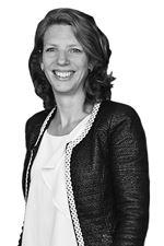 Esther Wiegman  (Sales employee)